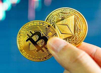 Bitcoin und Ethereum Symbolbild