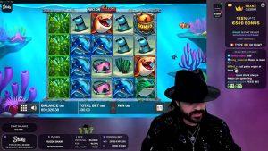Roshtein playing Razor Shark at Stakes Casino